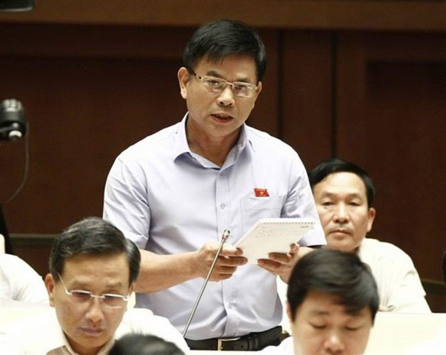 Bộ trưởng Xây dựng trả lời, ĐBQH tranh luận lại: Tôi thấy sự lúng túng của Bộ rất rõ - Ảnh 1.