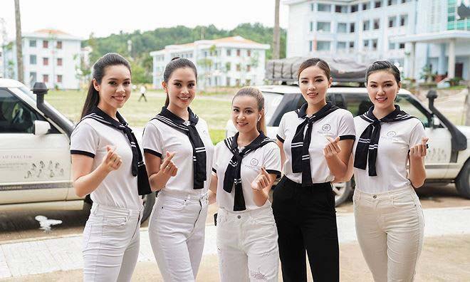 Nữ ca sĩ nổi tiếng, gợi cảm nhưng bị dìm hàng nhiều nhất showbiz Việt - Ảnh 8.