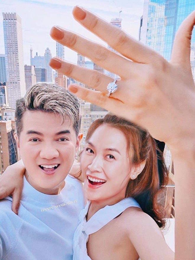 Sao Việt tung ảnh hài hước, ăn theo việc Ông Cao Thắng cầu hôn Đông Nhi - Ảnh 2.