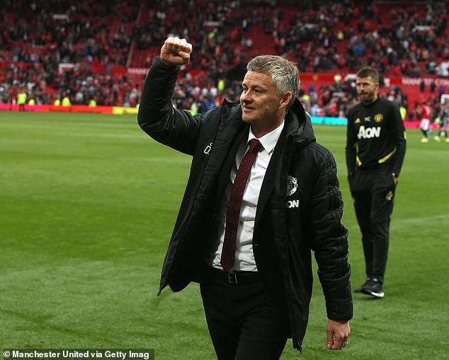 MU thắng đậm Chelsea, HLV Solskjaer khiến fan MU nhớ về thời hoàng kim - Ảnh 1.