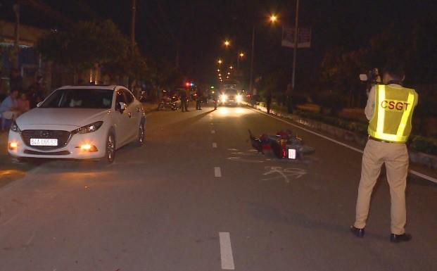 Ôtô Mazda3 tông chết người đi xe máy trên quốc lộ 53 - Ảnh 1.