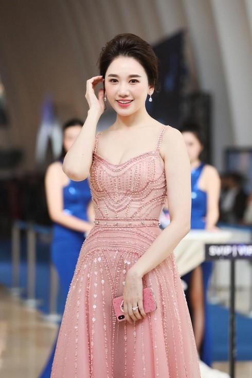 Hari Won có phải là một nghịch lý trong làng giải trí Việt? - Ảnh 4.