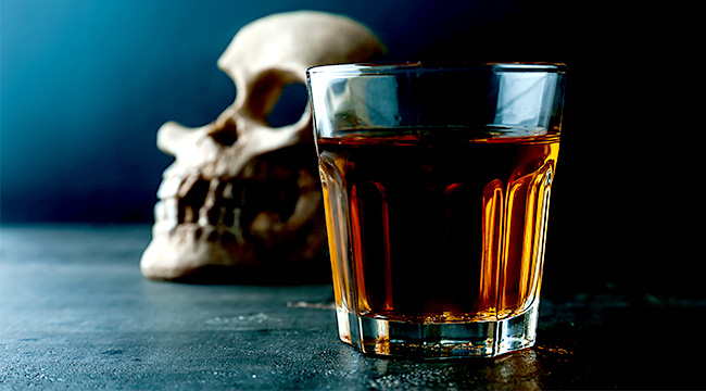 Nghiên cứu: Tử vong do rượu ở Mỹ đã tăng gấp đôi kể từ năm 1997 - Ảnh 1.