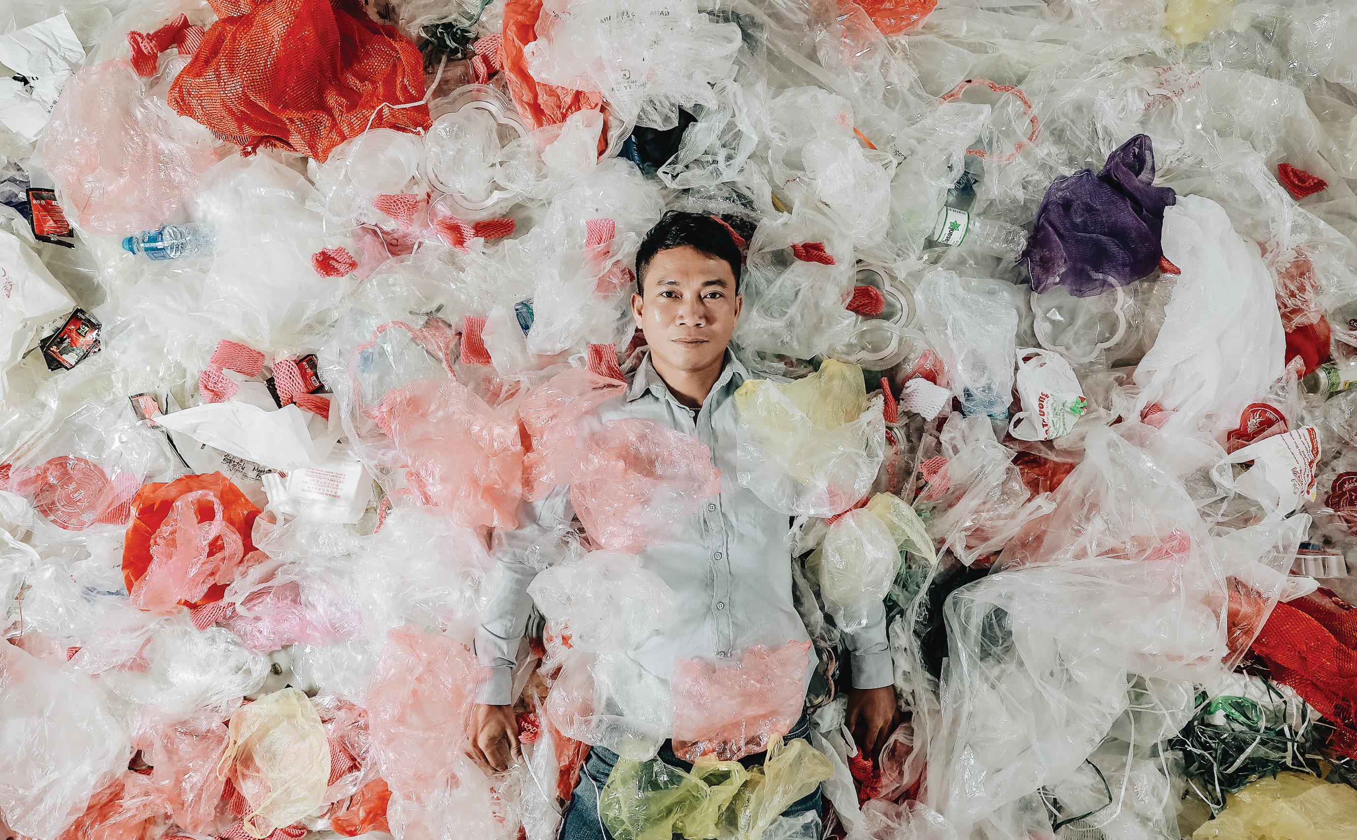 Hành trình cứu biển của nhiếp ảnh gia đi xe máy hơn 7.000km, chụp 3.000 bức ảnh về rác thải nhựa - Ảnh 16.