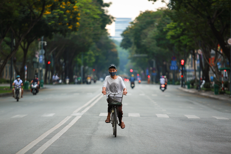 Ngắm Sài Gòn đẹp và yên bình trước thời điểm cách ly toàn xã hội trong 15 ngày - Ảnh 14.