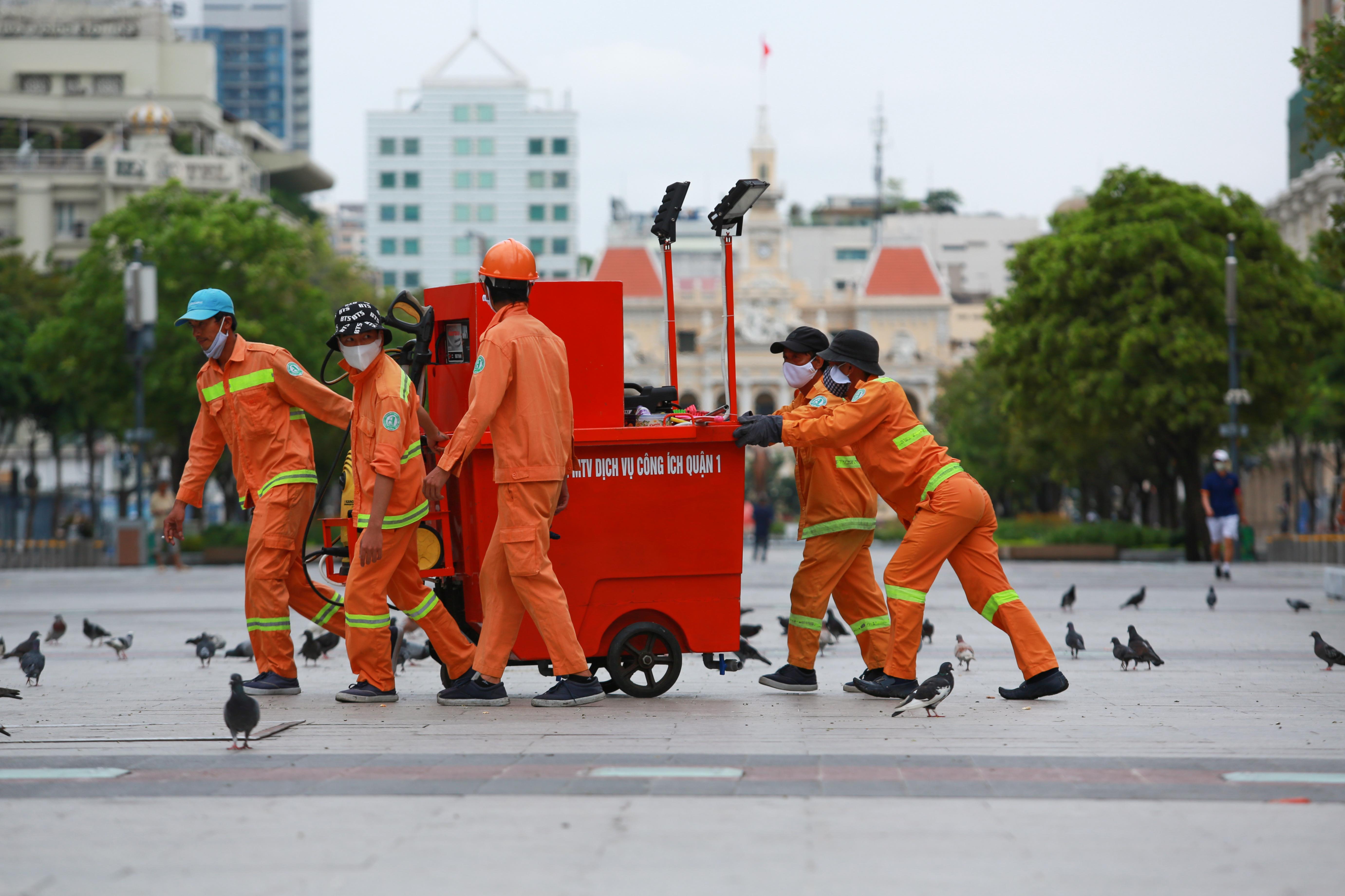 Ngắm Sài Gòn đẹp và yên bình trước thời điểm cách ly toàn xã hội trong 15 ngày - Ảnh 2.