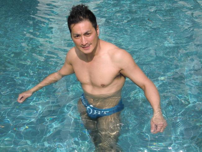 Ở tuổi 61, Triển Chiêu Hà Gia Kính gây bất ngờ với thân hình vạm vỡ, cơ bắp cuồn cuộn - Ảnh 5.
