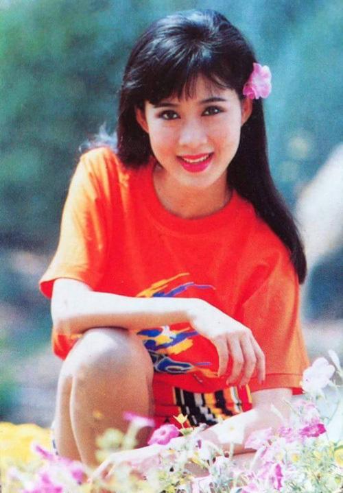 Nữ hoàng ảnh lịch Diễm Hương kể chuyện từng suy sụp và không muốn tham gia đóng phim - Ảnh 1.