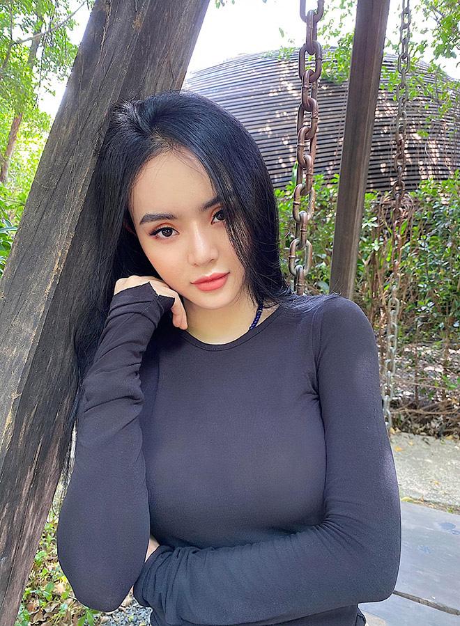 Em gái ruột nổi tiếng ăn chơi, sành điệu của Angela Phương Trinh giờ ra sao? - Ảnh 4.