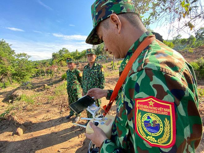 Chùm ảnh: Sử dụng thiết bị trên không, quyết tìm dấu vết Triệu Quân Sự trên núi Hải Vân - Ảnh 8.