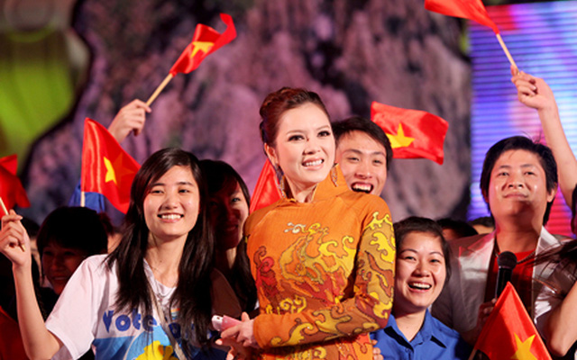 Image result for ly nha ky mung chien thang vinh ha long