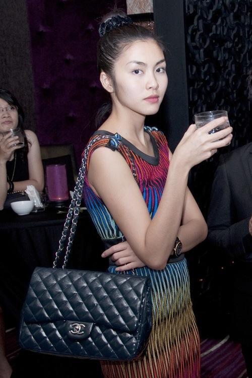 Ngắm style nhẹ nhàng nữ tính của Tăng Thanh Hà - 2