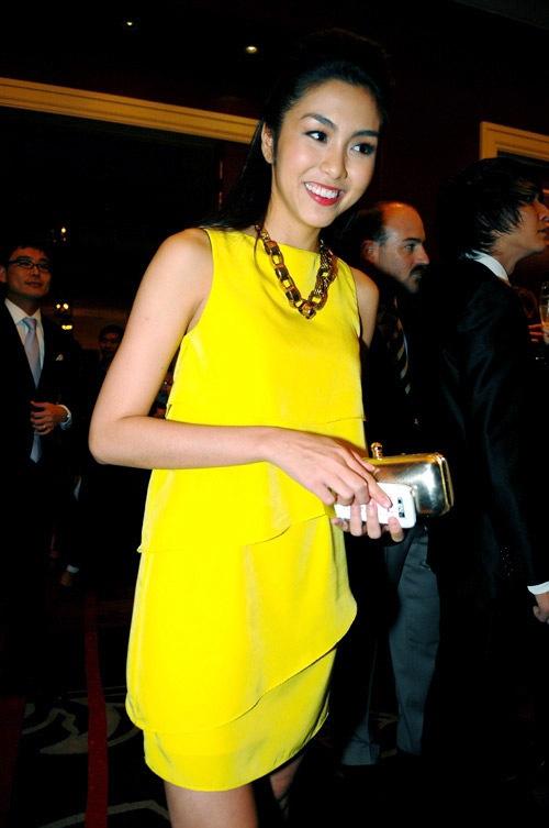 Ngắm style nhẹ nhàng nữ tính của Tăng Thanh Hà - 3