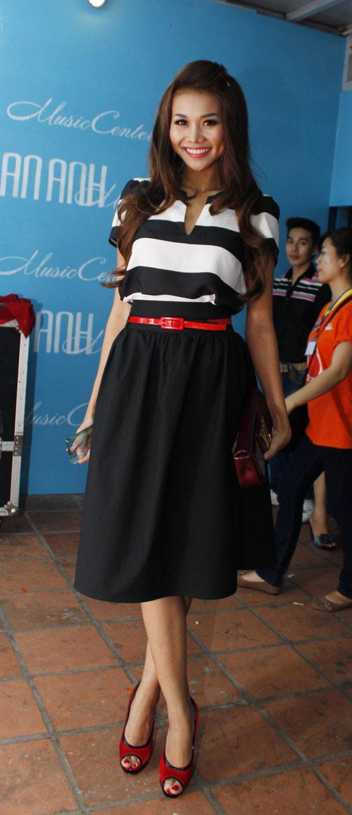 'Lật tẩy' gu thời trang của siêu mẫu Thanh Hằng - 2