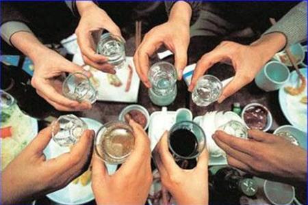 Uống rượu cho ấm người liệu đúng hay sai?