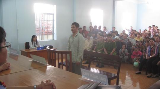 Bị cáo Nguyễn Đình Năm tại phiên tòa, ngày 29-9