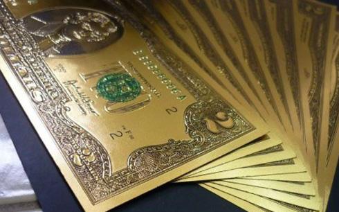 Tết 2015: Tiền lì xì USD bằng nhựa hút khách - Ảnh 1
