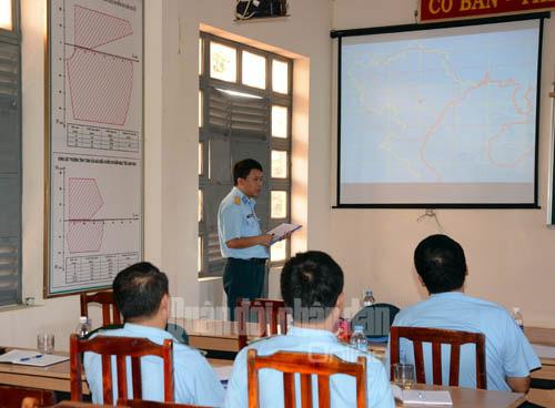 Tham mưu trưởng trung đoàn tên lửa S-300 PMU1 bảo vệ kế hoạch diễn tập.