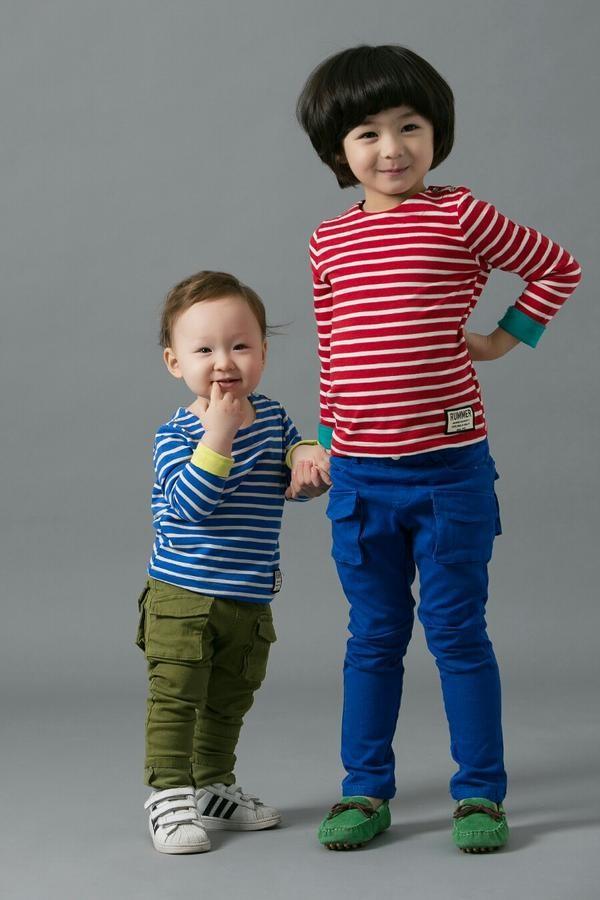 Cặp anh em người Hàn lai Pháp siêu đáng yêu 4