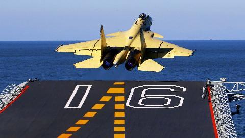Tiêm kích hạm J-15 của Trung Quốc bị chê là tính năng kém