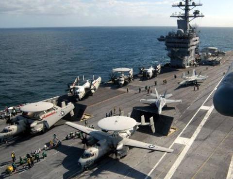 Trung Quốc hiện đang thiếu một máy bay cảnh báo sớm trên hạm như E-2C-Hawkeye của Mỹ