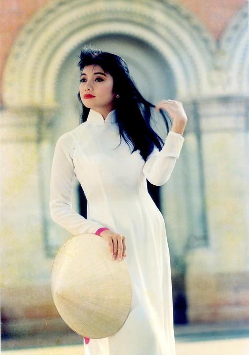 ... cuộc đời bí ẩn sau khi thành Hoa hậu của Phan Thu Ngân