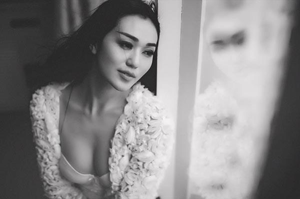 Hiện tại, Khánh My đang có mặt ở Anh để tham dự show thời trang danh giá Victoria Secrets