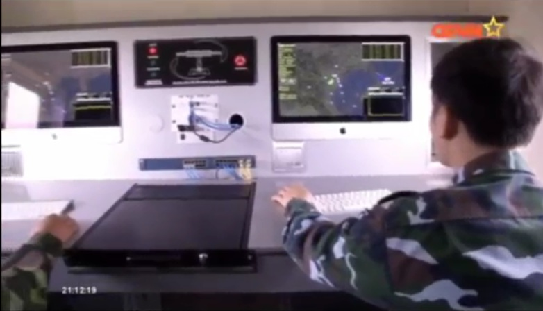 Xe hiện sóng sắp xếp đơn giản với 3 máy tính, giống như một sở chỉ huy thu nhỏ