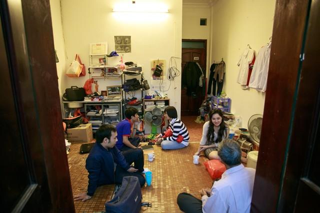 Căn nhà 12m2 là nơi ở của 4 bố con chú Định.