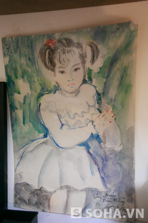 Diễm Hằng cũng treo trang trọng bức tranh được một người cô kính trọng tặng. Vẽ tranh cũng là đam mê của Diễm Hằng ở thời điểm hiện tại. Cô dành nhiều thời gian cho lĩnh vực nghệ thuật này.