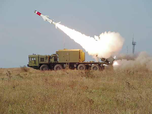 Theo báo Kommersant thì Hải quân Việt Nam đã sở hữu tổ hợp tên lửa phòng thủ bờ biển tiên tiến Bal-E của Nga.