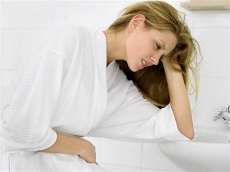 Dịch tiết âm đạo có mùi khó chịu - ở phụ nữ khỏe mạnh các dịch tiết âm đạo không có mùi gì khác biệt. Nhưng mùi có thể là một dấu hiệu của bệnh tật. Kể từ khi dịch tiết âm đạo có mùi khó chịu đó là một dấu hiệu của ung thư cổ tử cung, bạn nên đi kiểm tra và điều trị sớm nhất.