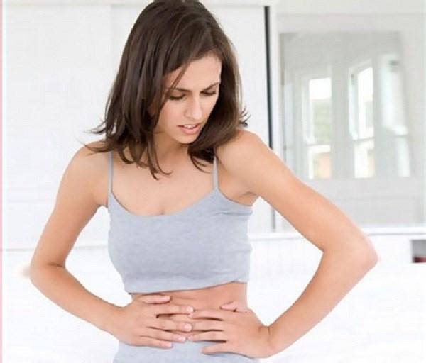 Thiếu máu thường khiến cho người bệnh cảm thấy mệt mỏi và cạn kiệt năng lượng, giảm cân không rõ nguyên nhân và mất cảm giác ngon miệng.
