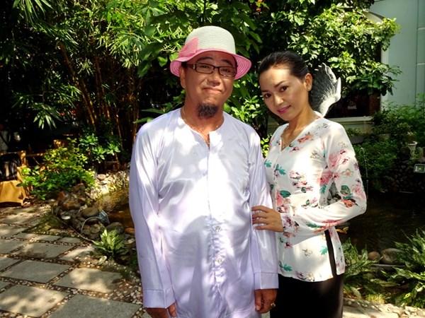 Nghệ sĩ hài Hồng Tơ và ca sĩ Phạm Mỹ Hằng. Ảnh: Dương Cầm.