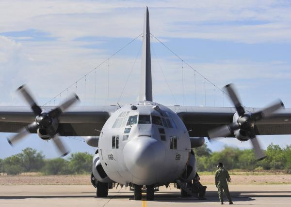 Một chiếc EC-130H Compass Call tại căn cứ không quân Davis-Monthan vào tháng 8/2014