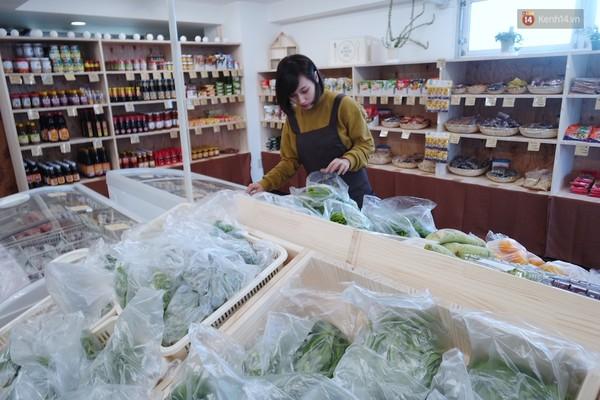 Em Sinh Doi Nam: 2 Chị Em Sinh đôi Xinh đẹp Mở Siêu Thị đồ Việt Trên đất Nhật