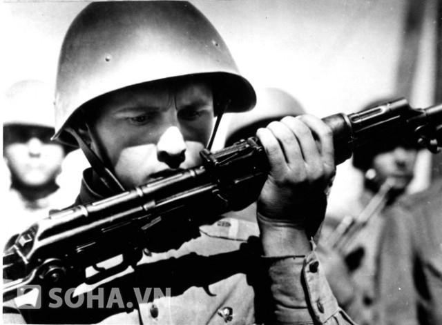 Chiến sĩ biên phòng Xô viết.