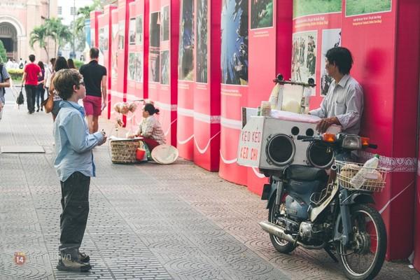 Chùm ảnh: Thương lắm những gánh quà rong trên phố Sài Gòn 15