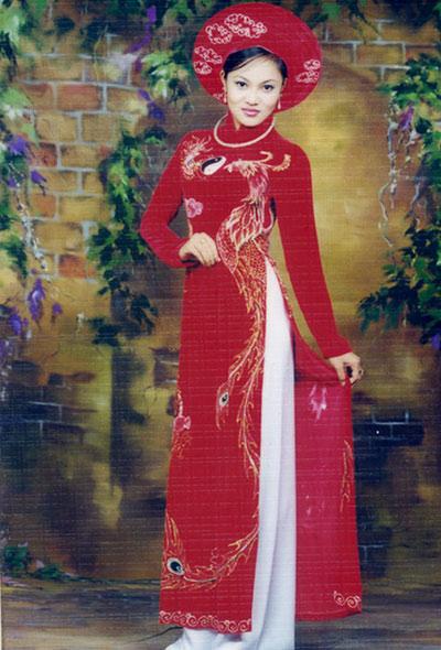 Khởi My mặc váy ôm sát gợi cảm trong ảnh cưới với Kelvin Khánh