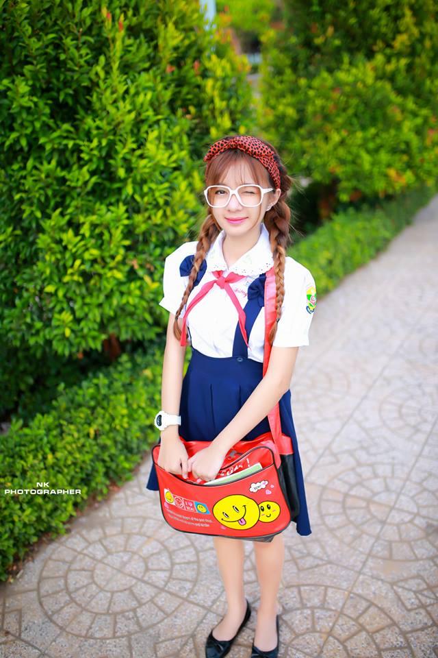 Tuy vẻ bề ngoài có phần trẻ con, nhưng Thanh Nhã lại là một cô gái sống nội tâm và khá sâu sắc. Chẳng thế mà ở lớp, cô nàng 9X là quân sư cho nhiều bạn bè trong chuyện cuộc sống, học tập và chuyện tình cảm.