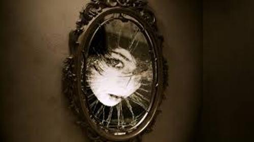 Những bí ẩn xung quanh chiếc gương soi 2