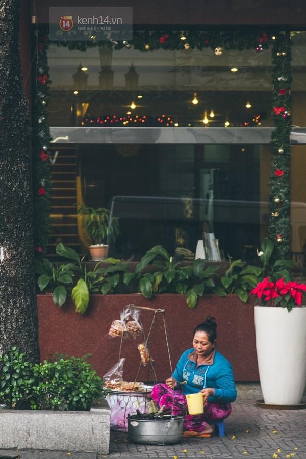 Chùm ảnh: Thương lắm những gánh quà rong trên phố Sài Gòn 20