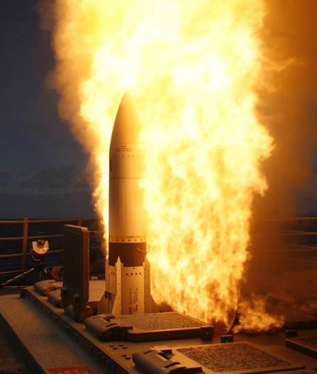 Cận cảnh chiến hạm Mỹ phóng tên lửa đánh chặn SM-3