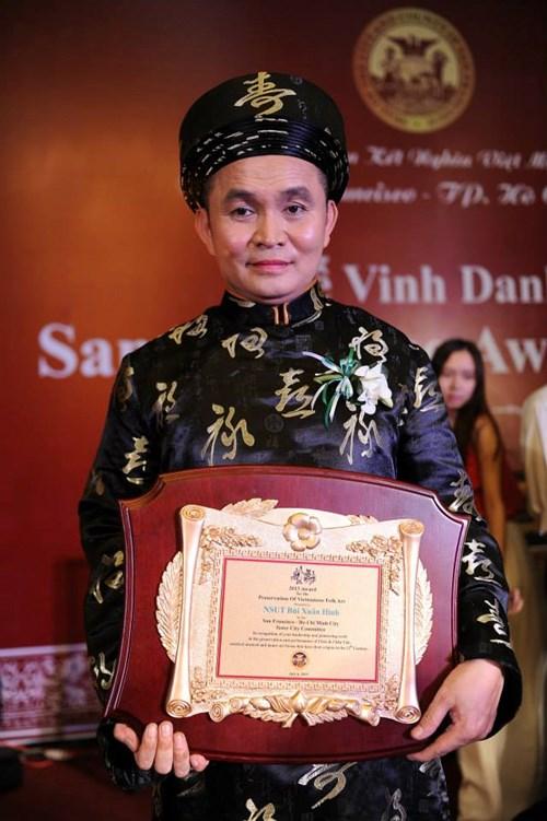 Nghệ sĩ Xuân Hinh được một tổ chức của Mỹ vinh danh vì có nhiều đóng góp trong việc bảo tồn nghệ thuật truyền thống
