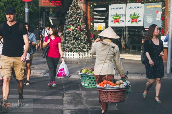 Chùm ảnh: Thương lắm những gánh quà rong trên phố Sài Gòn 3