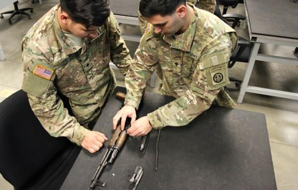 Được biết, công ty Mỹ Russian Weapon Company, chuyên nhập khẩu súng Kalashnikov do Nga sản xuất, và sẽ khai trương sản xuất súng trường tấn công Kalashnikov tại Mỹ. Kế hoạch sẽ bắt đầu triển khai trong quý thứ hai của năm 2015.