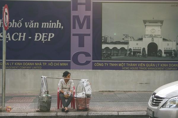 Chùm ảnh: Thương lắm những gánh quà rong trên phố Sài Gòn 7