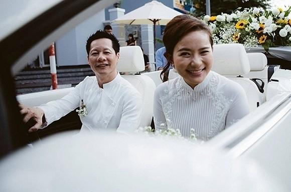 Sáng 6/11, người đẹp Phan Như Thảo và doanh nhân Đức An chia sẻ ảnh trong lễ đính hôn với sự chứng kiến của gia đình và bạn bè thân thiết. Cặp đôi hẹn hò được khoảng một năm và họ luôn giấu kín mối quan hệ với giới truyền thông. Ảnh: FBNV
