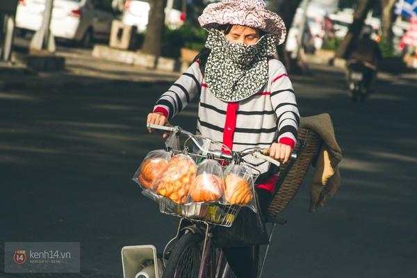 Chùm ảnh: Thương lắm những gánh quà rong trên phố Sài Gòn 9
