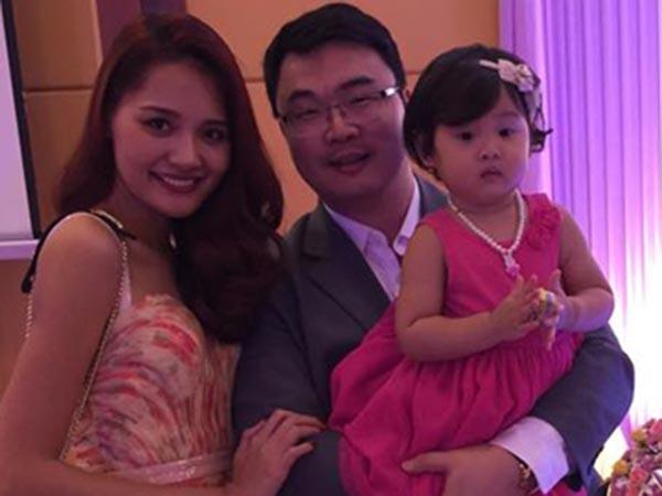 Cuộc sống viên mãn của gia đình cô là niềm ước ao của nhiều nghệ sĩ trong showbiz Việt.